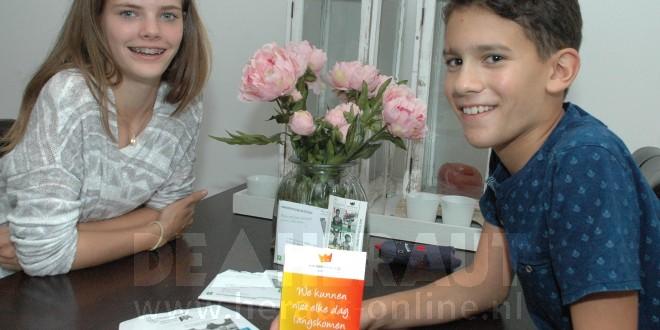 Hoekse 'filmsterren' in film met Kinderpostzegels